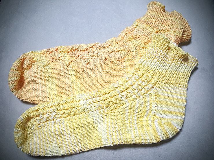 模様編み靴下 無料編み図