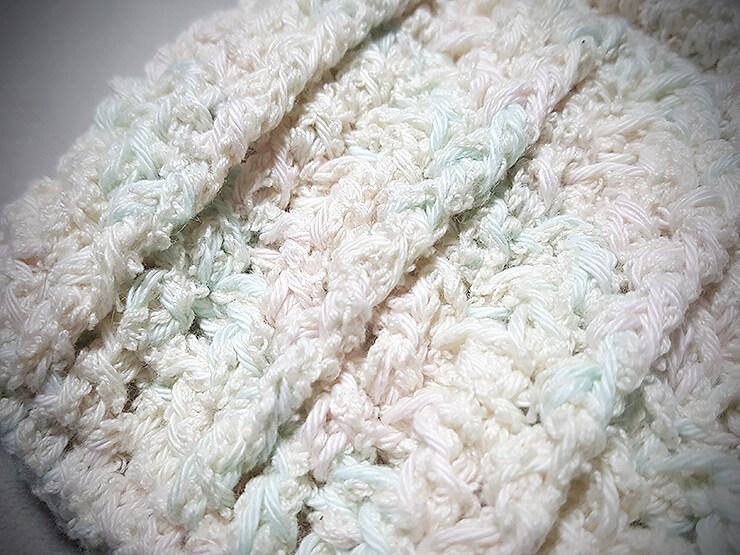 100均毛糸のポーチ