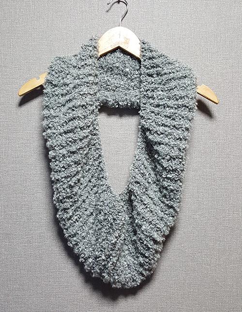 ソフトループ3玉でイギリスゴム編みのスヌード