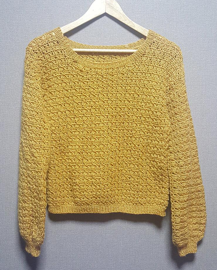 かぎ針編みの模様編みセーター