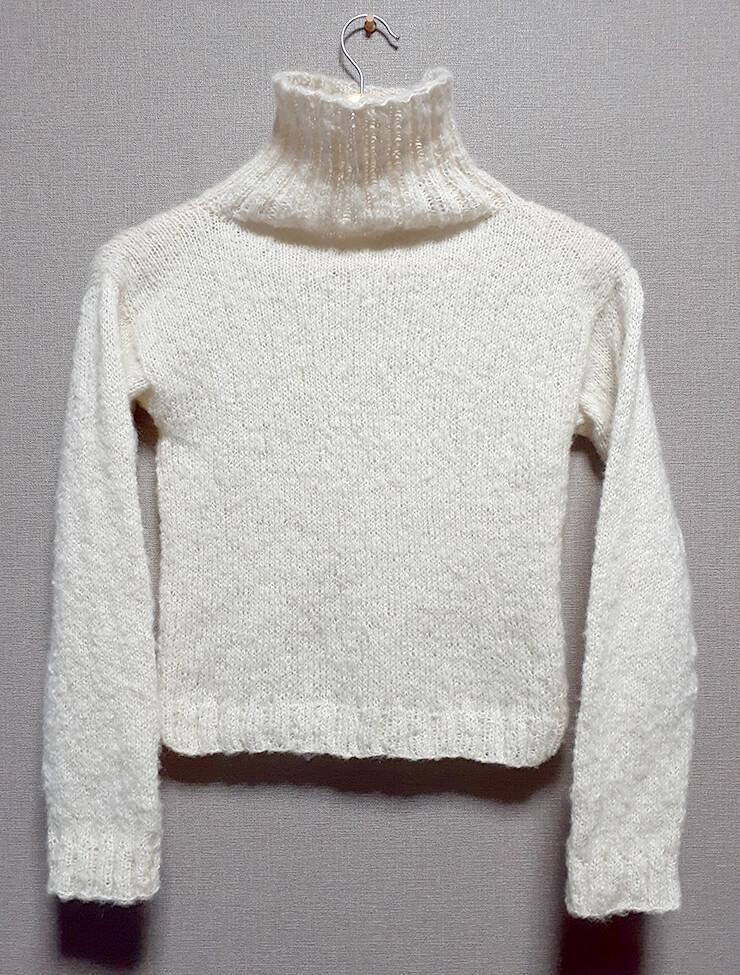 モヘアタートルネックセーター