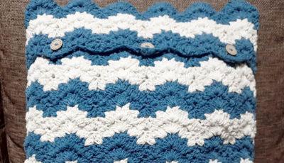100均毛糸のクッションカバー